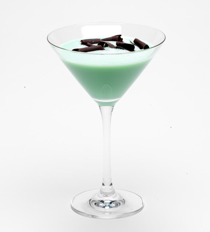 Check out mint chocochata martini it 39 s so easy to make for Easy vodka martini recipes