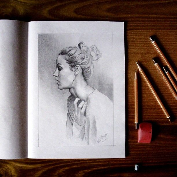New drawing in my sketch book #drawing #sketchbook #sketch #woman #art #arts_help #theartslovers #freshart #baigart #artistic_support #instartpics #artsharepage