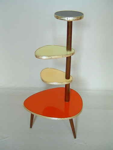 Original 1950s tripod plant stand - who would not love this... I'd change my whole house to match it