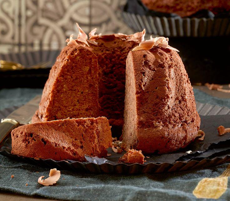 Schokolade, Rotwein und Gewürze verleihen diesem Kuchen eine tolle Würze.
