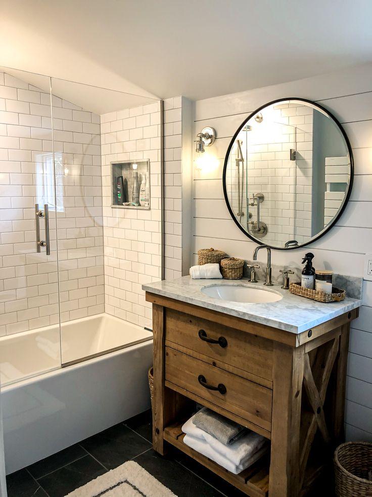 Clean bathroom in 2020 Pottery barn bathroom, Round