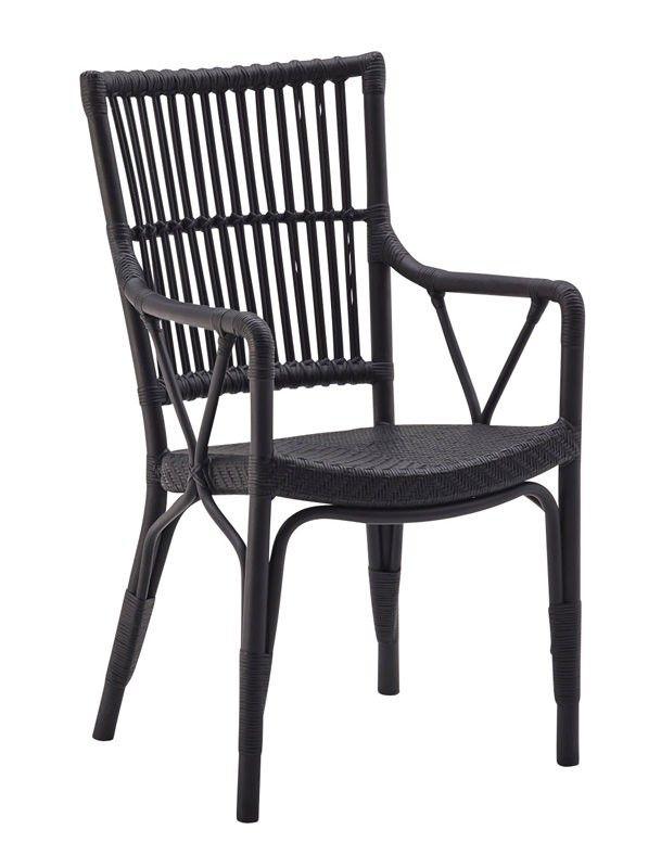 SIKA - Piano Spisestuestol - Originals fra Sika Design -  Smuk sort spisestuestol i naturflet. Spisebordsstolen har et flettet sæde og tremmer i ryggen samt behagelige armlæn for ekstra komfort. Perfekt til spisestuen, udestuen eller i sommerhuset.