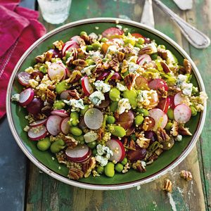 Quinoa met radijs, druiven en noten