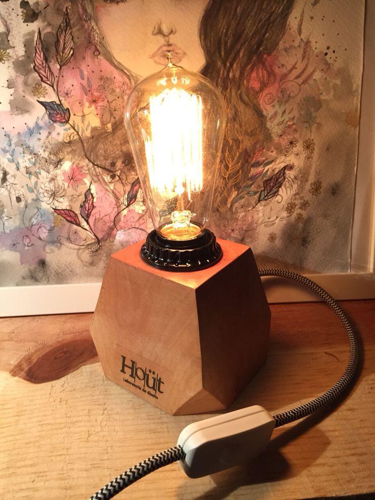 Desk lamp designed by Hoüt diseno