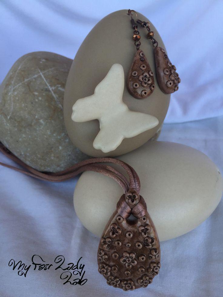 Medaglione in pasta polimerica Fimo modellato a mano