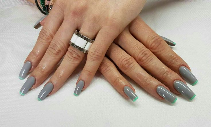 Grey lime nails