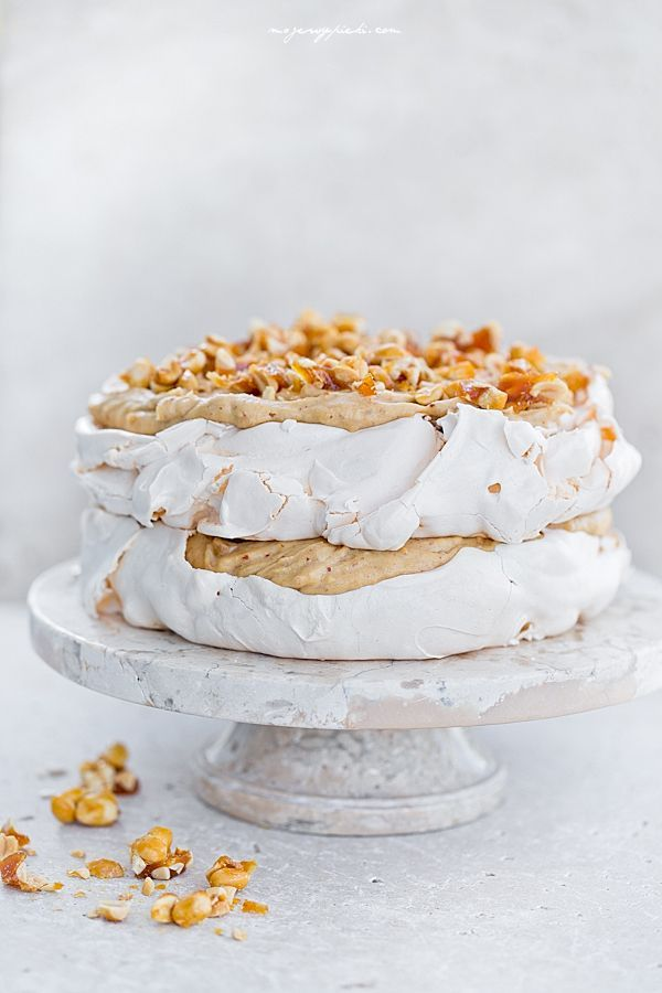 Fistaszkowy tort bezowy