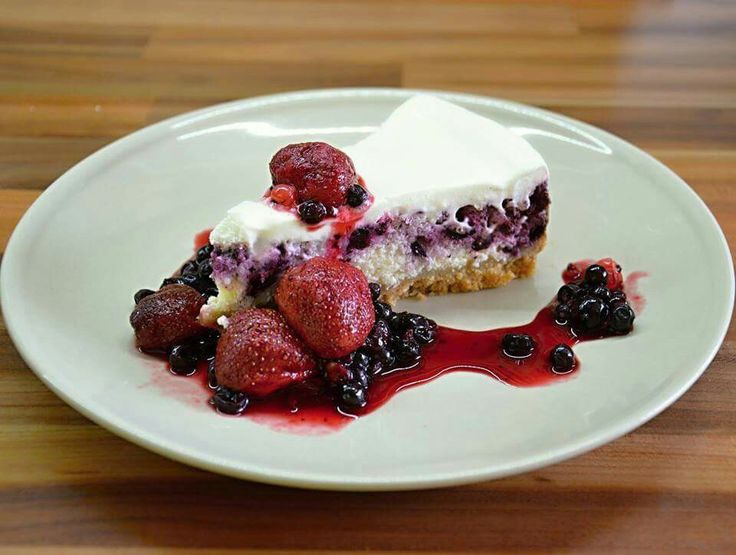 Cheesecake with fruits :)