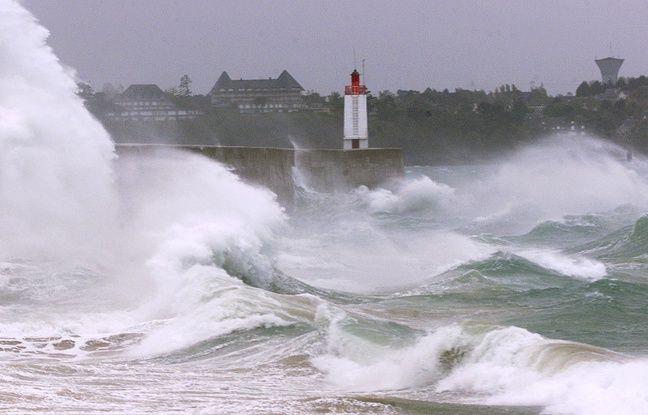 La ville de Saint-Malo en Ille-et-Vilaine est concernée par l'alerte orange au vent violent émise par Météo France.