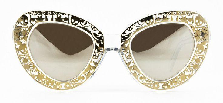 #loveyewear #karenwalker http://www.loveyewear.se/solglasogon/karen-walker-kw-intergalactic-crystal-clear-transparent-silver/