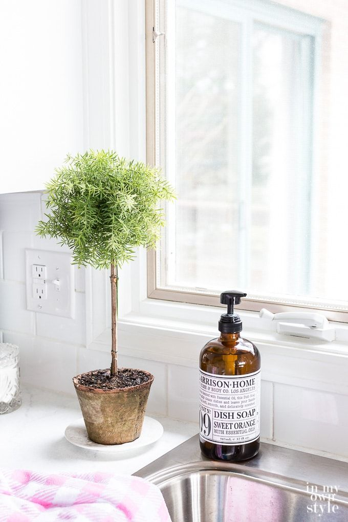 Making Faux Plants And Branches Look Real Topiary Diy Topiary