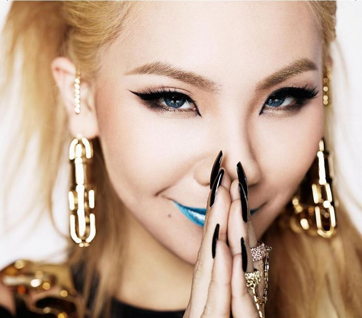 2NE1's CL will be making her big U.S solo debut early next year under Scooter Braun, who is also managing fellow YG Entertainment's PSY!
