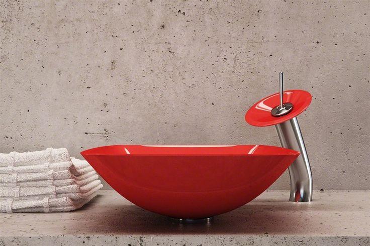 Как Вам идея использования красной ❤🚿 раковины в ванной ? Если в однотонную комнату добавить яркий элемент, она сразу же преобразится. 🙌 Поскольку в ванной мы проводим не так много времени, даже самая необычная и яркая расцветка в интерьере этой комнаты не успеет надоесть. #акция #скидка #плитка #сантехника 📎 Выбираем на сайте: http://santehnika-tut.ru  #дизайн #интерьер #стиль #ванная #сантехника #плитка