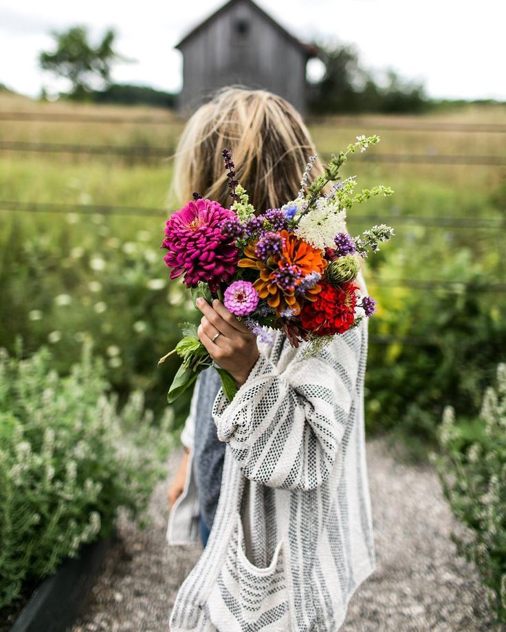"thefreshexchangeblog: "" My favorite thing in the world is collecting blooms this time of year. The vibrant colors of the wild flowers mixed with Queen Anne's Lace and the flowers from all the herbs that have gone to seed is something so special. I..."