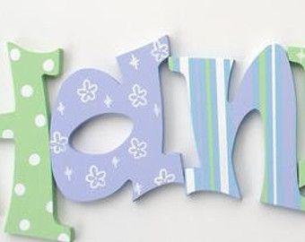 artculos similares a letras de lienzo de pared decoracin cuarto de nios vivero letras