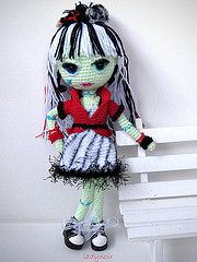 Frankie Sweet Screams (ladynoir63) Tags: monster high sweet crochet frankie amigurumi crocheted stein screams