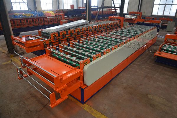 This is #double #layer #roofing #sheet #roll #forming #machine for Peru customer, one machine produce corrugated sheet and trapezoidal profile sheet, very popular in South America. The machine can use color steel plate, galvanized steel plate, aluminum zinc plate, the feeding width is 1220mm, and thickness range is 0.3-0.6mm.
