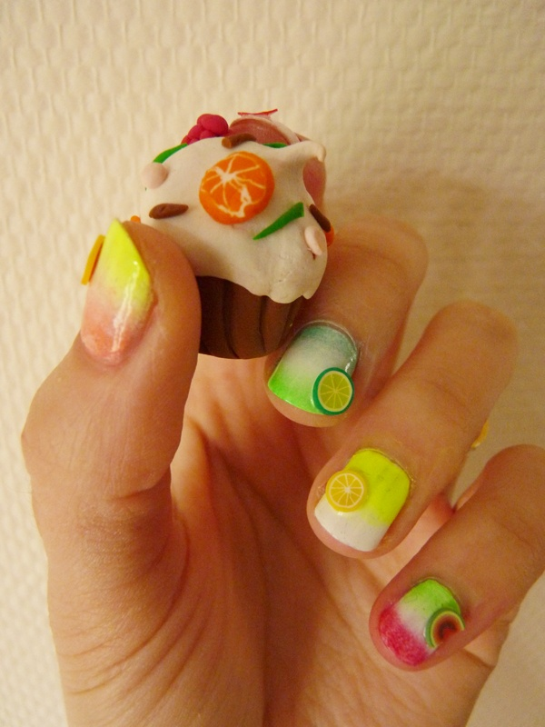 The Sunday Nail Battle // Gradient Nail – Tutti Frutti  http://nailartpaintersp.blogspot.com.es/