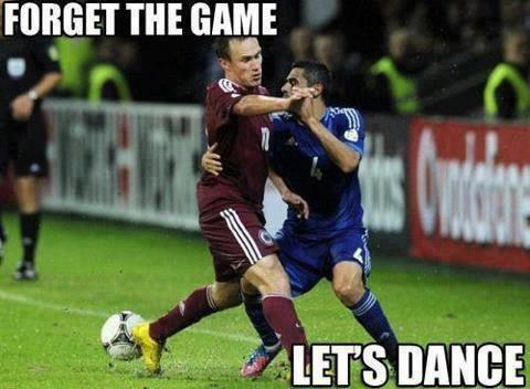 Głupie pytanie - wolicie piłkę nożną czy taniec?    Można głupio też odpowiadać ;P