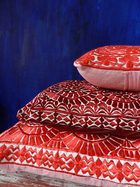 cushionsRed Pillows, Stuffed Cushions, Morocco Red Cushions, Colors, Pillows Pusher, Gorgeous Embroidery, Pillows Talk, Blue R, Red Fetish