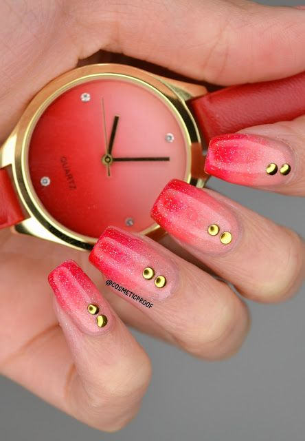 See how blogger, Cosmetic Proof styled her nails using Avon nail enamels and the Swept Away Ombre watch as inspiration.