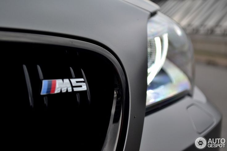 BMW M5 700 hp vs Ford Mustang GT500 - Drag Race - http://www.bmwblog.com/2015/04/27/bmw-m5-700-hp-vs-ford-mustang-gt500-drag-race/