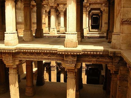 Stretch your imagination to wander among the caravans drifting in the semi desert regions of Western India.Step Wells of Gujarat Stretch your imagination to wander among the caravans drifting in the semi desert regions of Western India....!!!