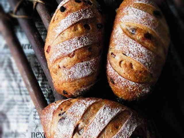 Hard Bread w Berry