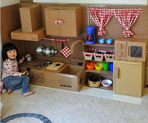 http://www.almicaalmacen.com/  Cocina para que los niños vayan conociendo el mundo gastronómico