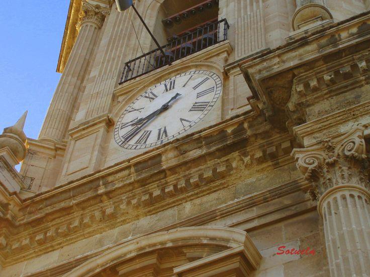 06 Reloj de La Catedral.JPG