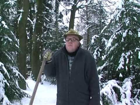 """Weihnachtsbaumentsorgung - O Tannenbaum mit Bauer Heinrich ...Kattenvenne am Ölberg: Weihnachten ist """"rum"""", und Bauer Heinrich Schulte-Brömmelkamp aus Kattenvenne muß den Weihnachtsbaum """"entsorgen"""", aber wie? - Comedy vom Bauernhof: http://www.kattenvenne.org - http://www.fordfahrer.de - http://www.kattenvenne.eu"""