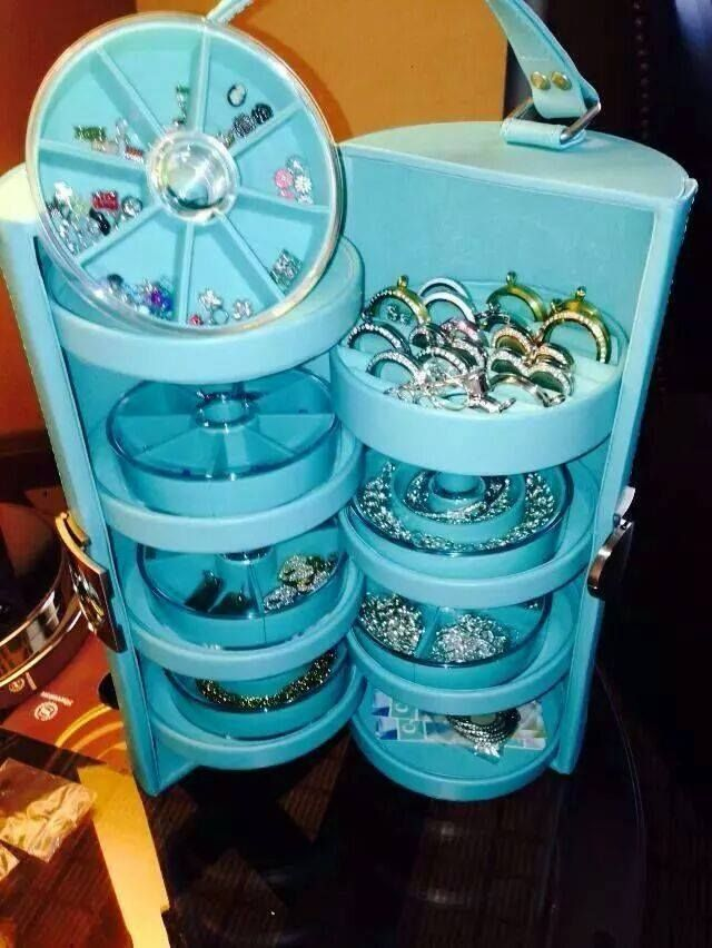 Origami Owl Jewelry Case. Great to organize all your lockets, chains, charms and more!