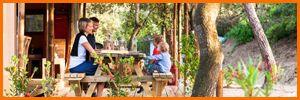 GLAMPING, il nuovo modo di fare campeggio! #CAMPINGVILLAGELECAPANNE Per la stagione 2017 alle Capanne verrà realizzato in nuovo GLAMPING sarà la fusione di GLAMOUR e CAMPING, ciò significa godere del proprio soggiorno in campeggio nella forma più confortevole, ma a stretto contatto con la natura. Consigliamo vivamente alle famiglie di far trascorrere un'esperienza in tende super attrezzate, i bambini apprezzeranno subito la vicinanza con la natura mentre i genitori potranno rilassarsi…
