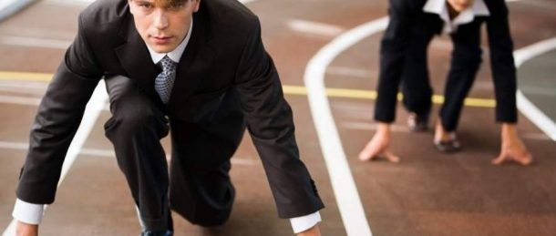 En las industrias en todos los ámbitos, las estadísticas demuestran que la brecha de competencias de género es real y es un problema.
