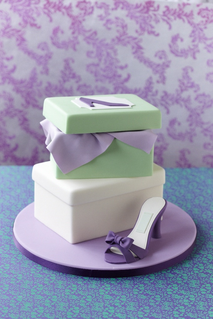 #CakeDecorating Shoe box #Cake Learn how to craft perfect paste shoes #Issue35