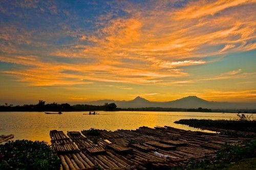flaming Sky in Cengklik, Indonesia by andrey kurniawan