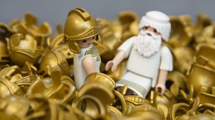 Είναι γεγονός: Η PLAYMOBIL σχεδίασε τις δύο πρώτες ελληνικές φιγούρες!