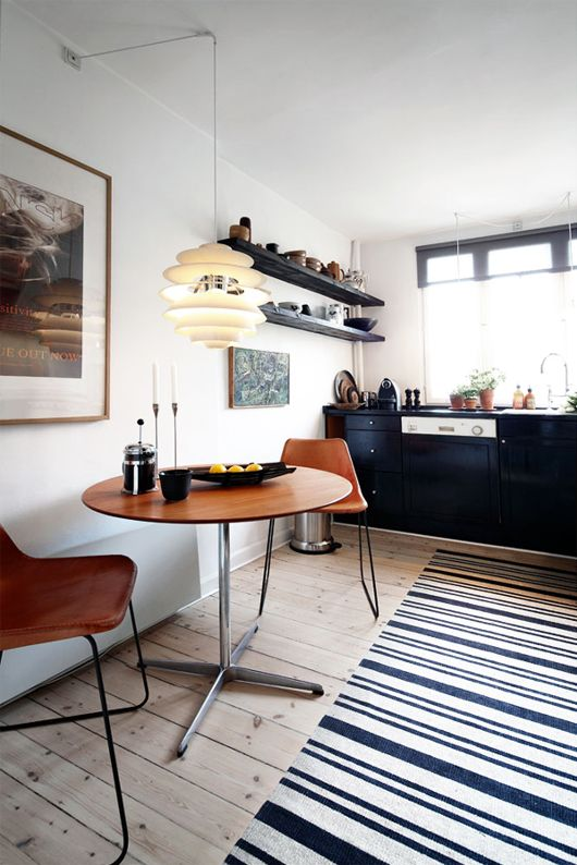 Love this round dining table and chairs. Anybody know who makes it and where I can find it? via: SF Girl By Bay
