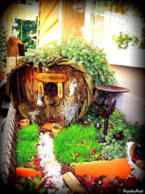 """Fairy Garden """"Love Shack"""" heart-shaped fairy house - this is adorable! via Flickr on imgfave - fairy gardens & minis"""