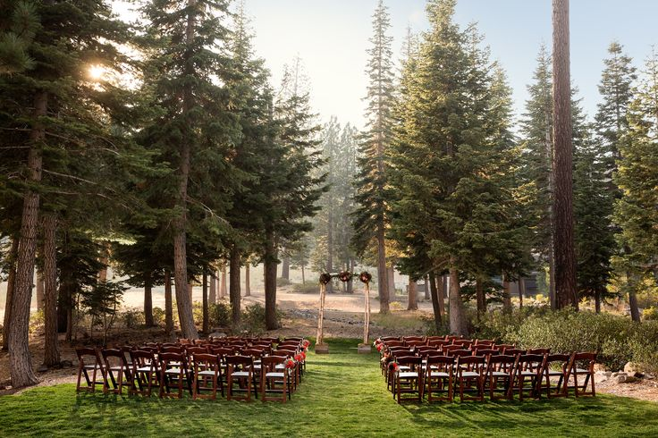 Set amongst the Sierra Nevada Pine Trees, The Woods provides a forest-like setting for a ceremony of up to 200 guests. Perfect for an autumn-inspired wedding celebration at The Ritz-Carlton, Lake Tahoe.