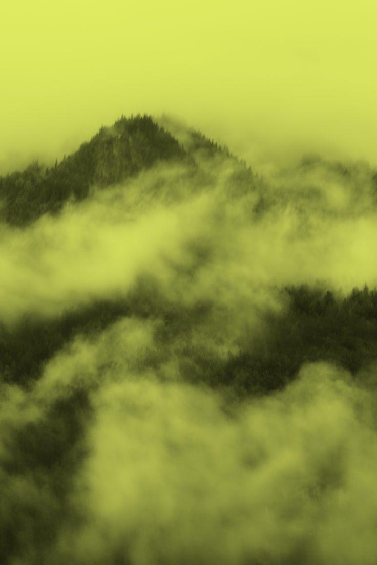 Le altitudini sono contornate da nuvole o qualche volta si tratta dell'alito rarefatto di un drago ? Lo chiederei volentieri a Tolkien per stare ad ascoltarlo tanto, tantissimo tempo ...
