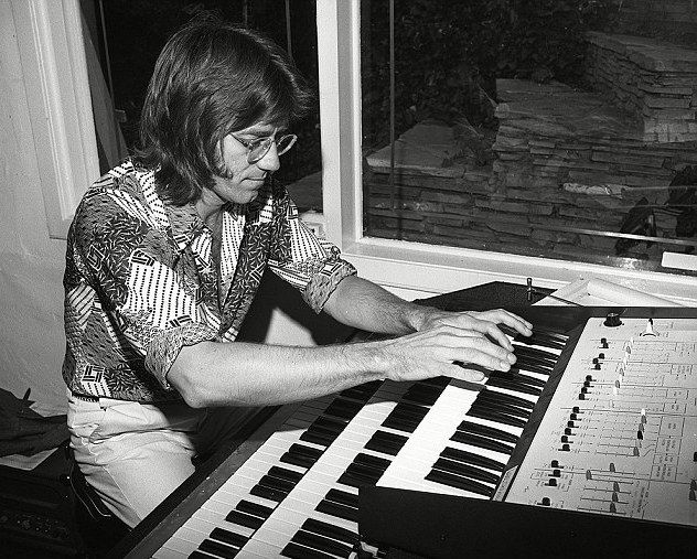 10 Most Amazing Blind Piano Players and Musicians
