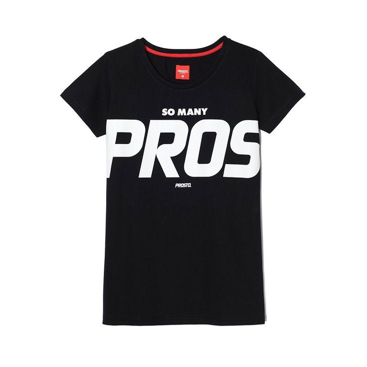 Koszulka PROS BLACK Klasyczna damska koszulka. Duża grafika na froncie. Regularny krój.
