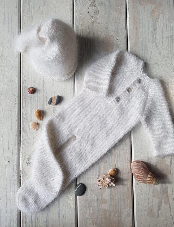 Для фотосессии новорожденного комбинезон и шапочка с узелком. Ангора