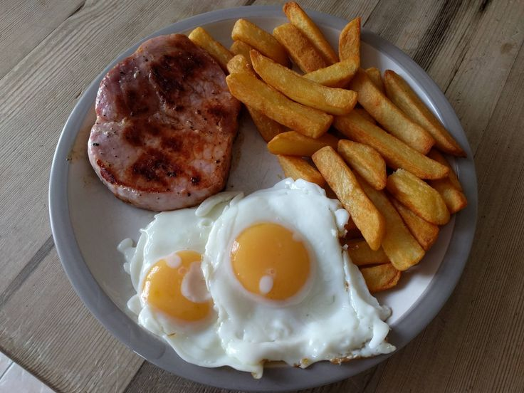 Gammon egg and chips #recipes #food #cooking #delicious #foodie #foodrecipes #cook #recipe #health