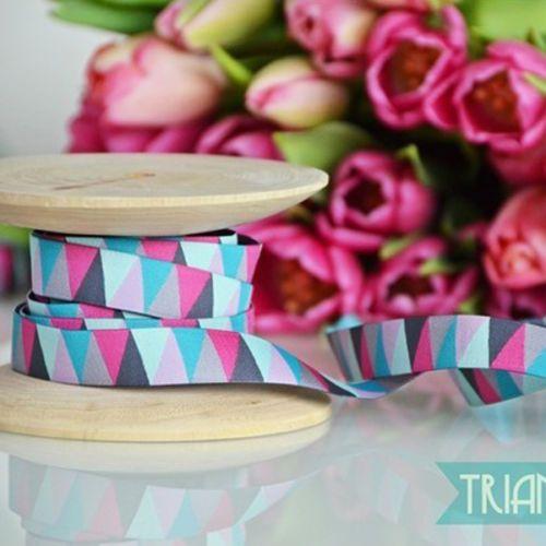 TRIANGLE-SPRING-No-2-Colour-mix-Woven-ribbon-Applique-15mm-1m