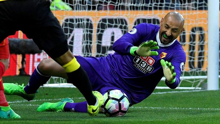 Heurelho Gomes one of few bright spots in Watford's 1-0 loss to Liverpool