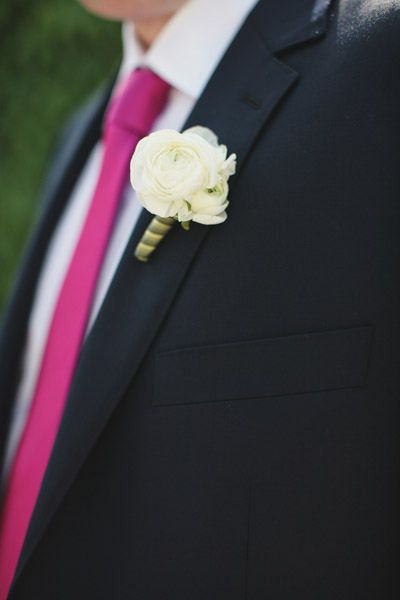 boutonniere rose