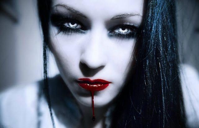 Новости: Пока граф Дракула спал: лесбийская любовь первой в...