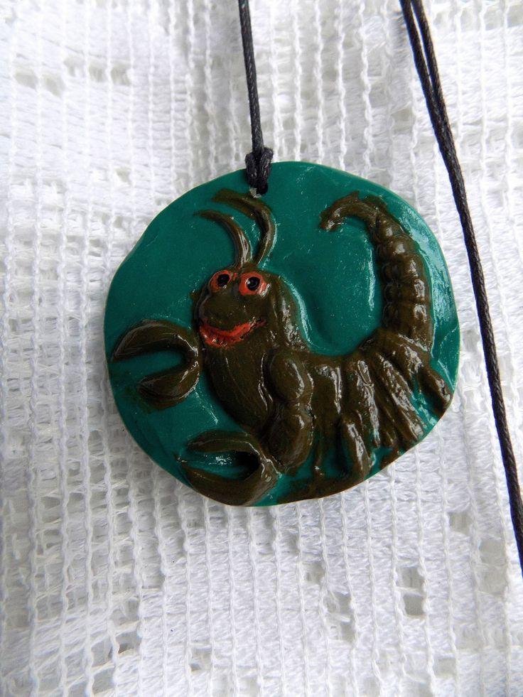 NOUVEAU : pendentif signe du zodiaque en fimo : scorpion